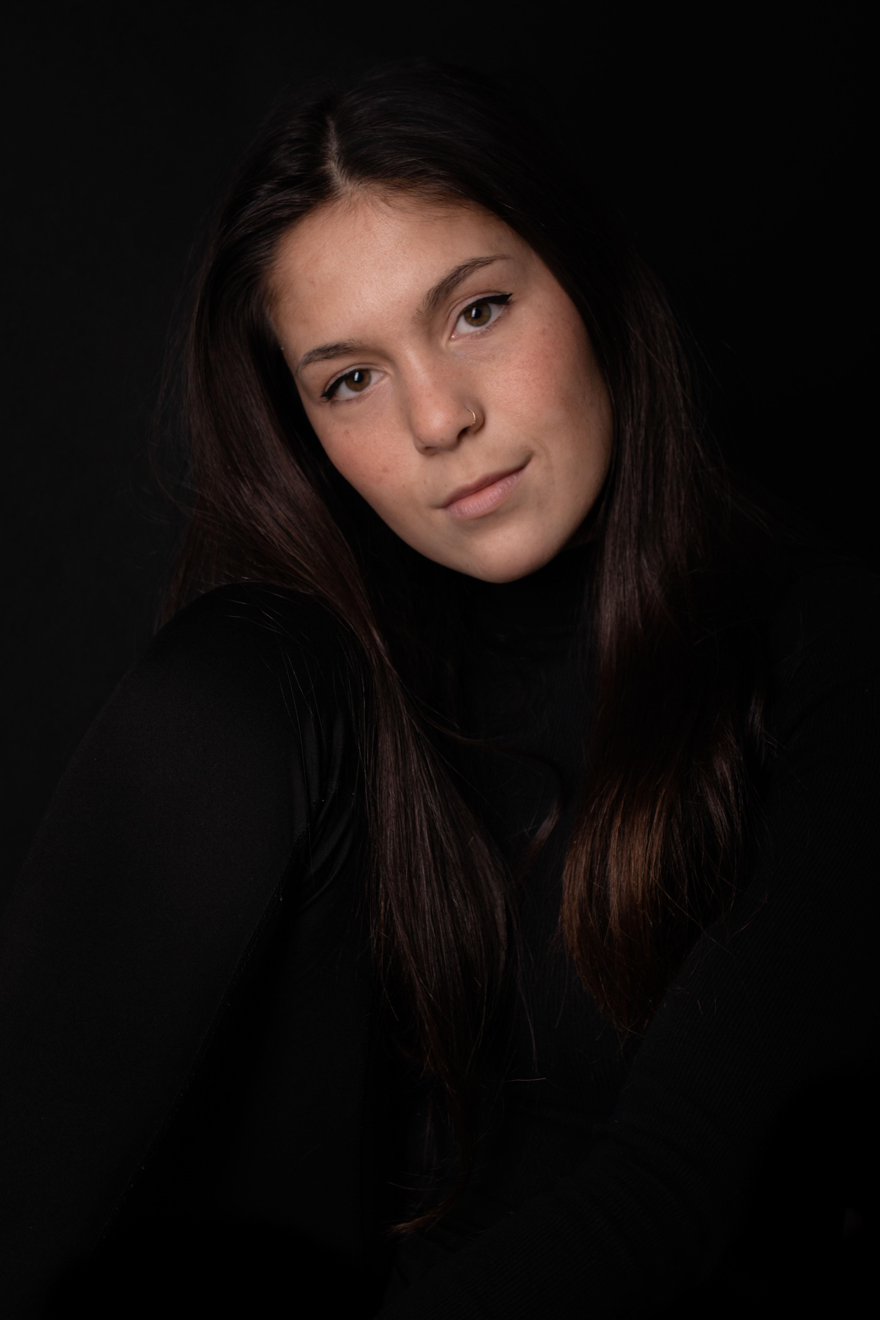 LWP | Portretfotografie | Studio Assen | Zwarte Achtergrond -81